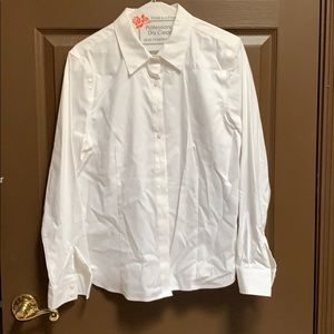 EllenTracy-white top